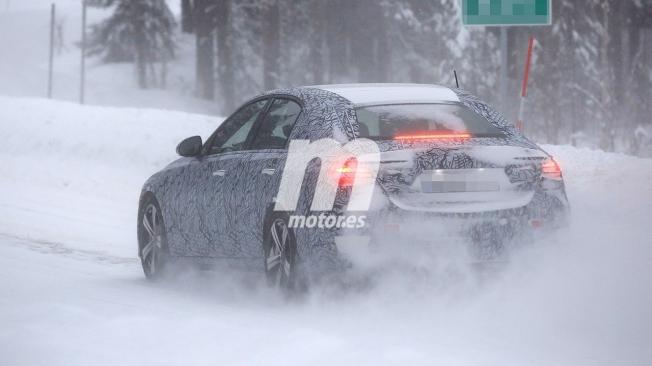 Mercedes Clase C 2021 - foto espía posterior