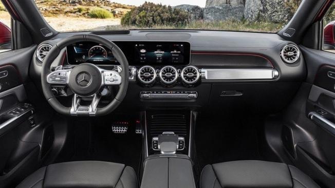 Mercedes-AMG GLB 35 4MATIC - interior