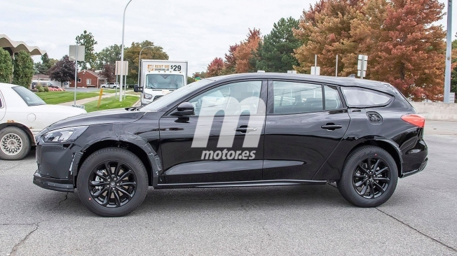 Ford Mondeo 2021 - foto espía lateral