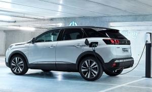 Peugeot rebajará las emisiones límite en marzo con las ventas de híbridos y eléctricos