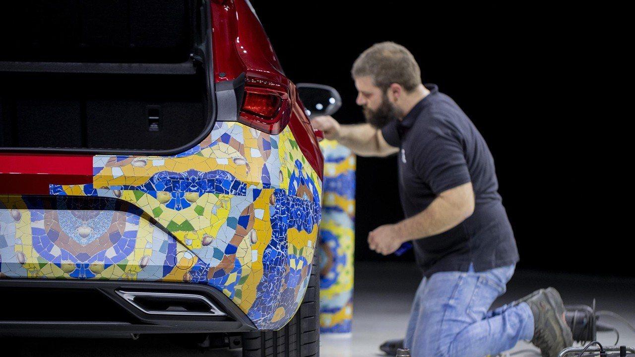 SEAT muestra el camuflaje especial que ha creado para el nuevo León 2020