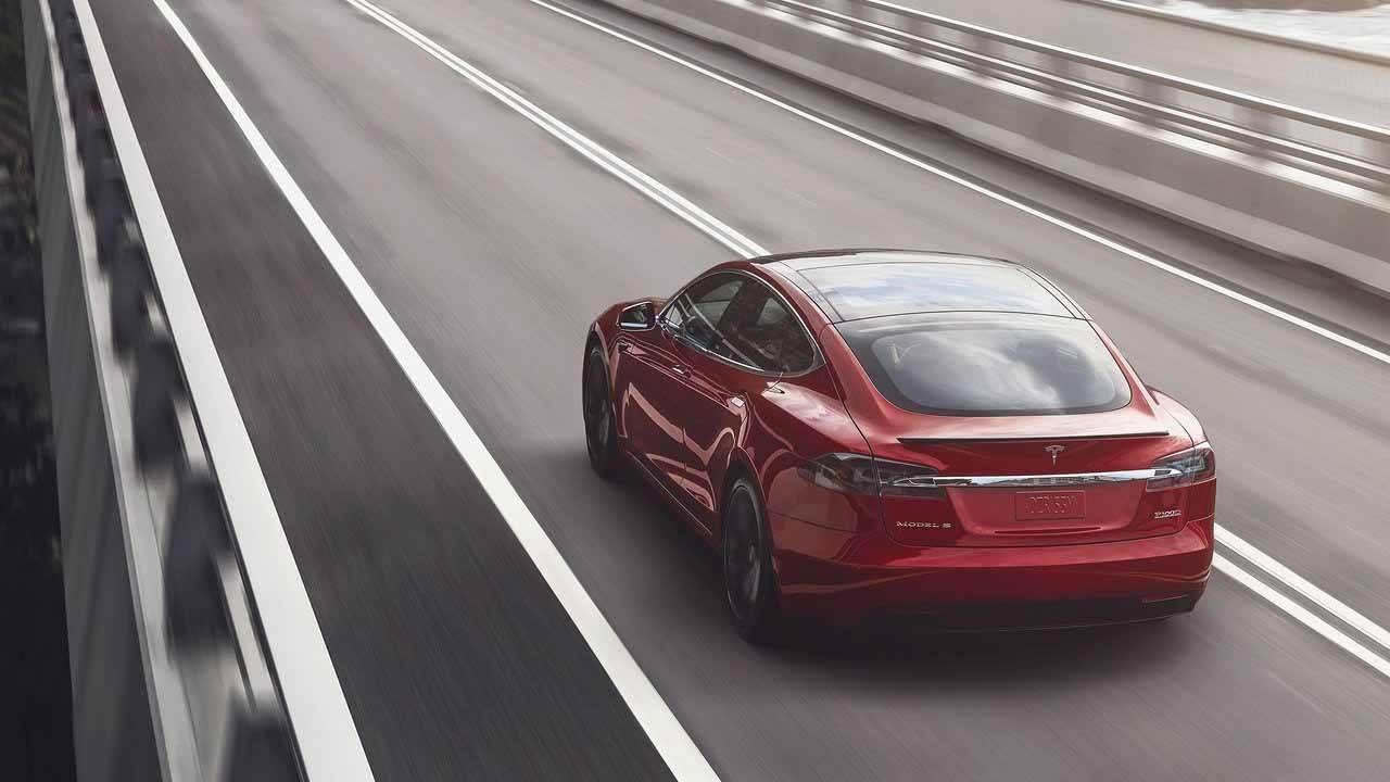 Tesla estrenará baterías, suspensiones y más en los Model S y Model X