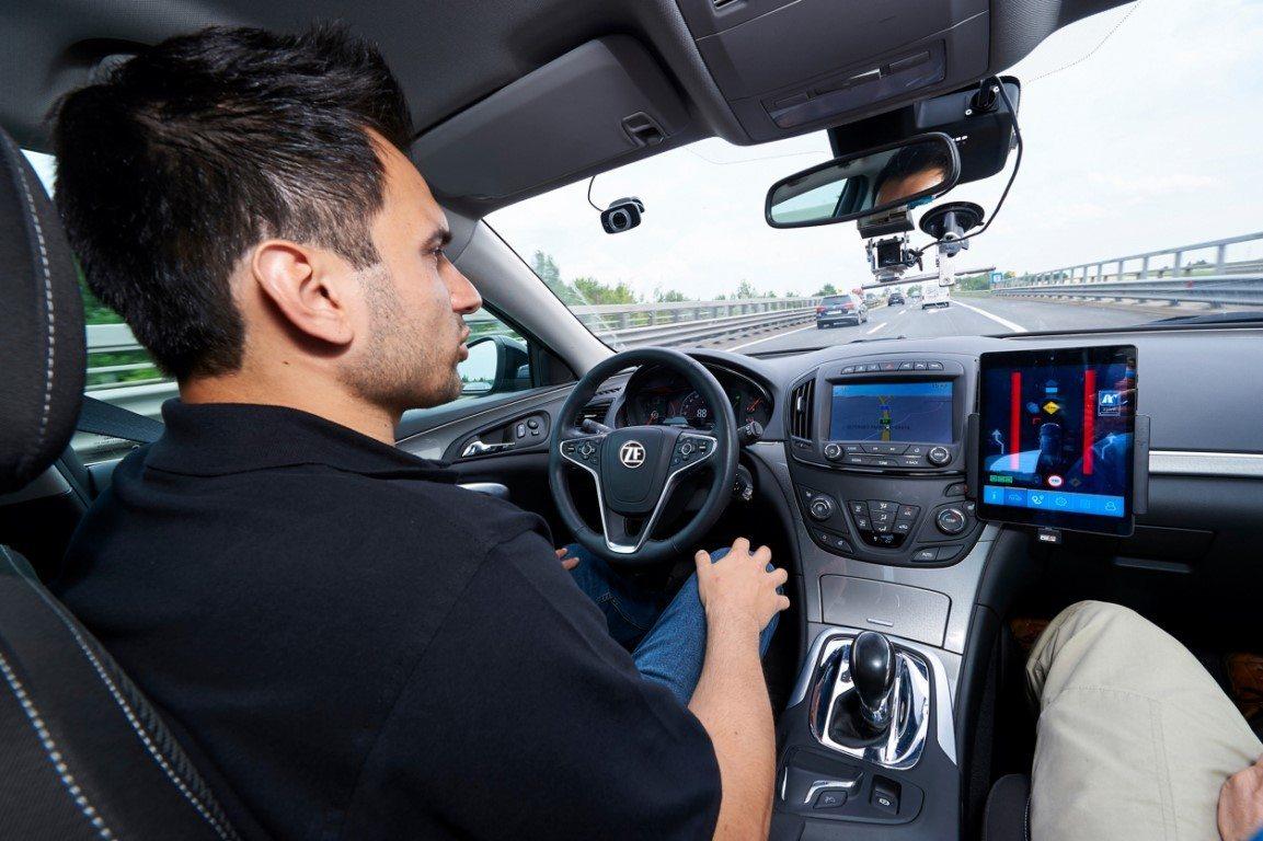 ZF presenta el CES 2020 su nueva tecnología de conducción semi-autónoma de nivel 2+