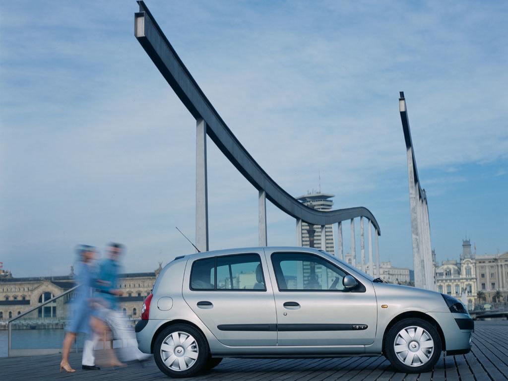 Cómo estimular la compraventa de coches usados: dificultando la compra de los nuevos