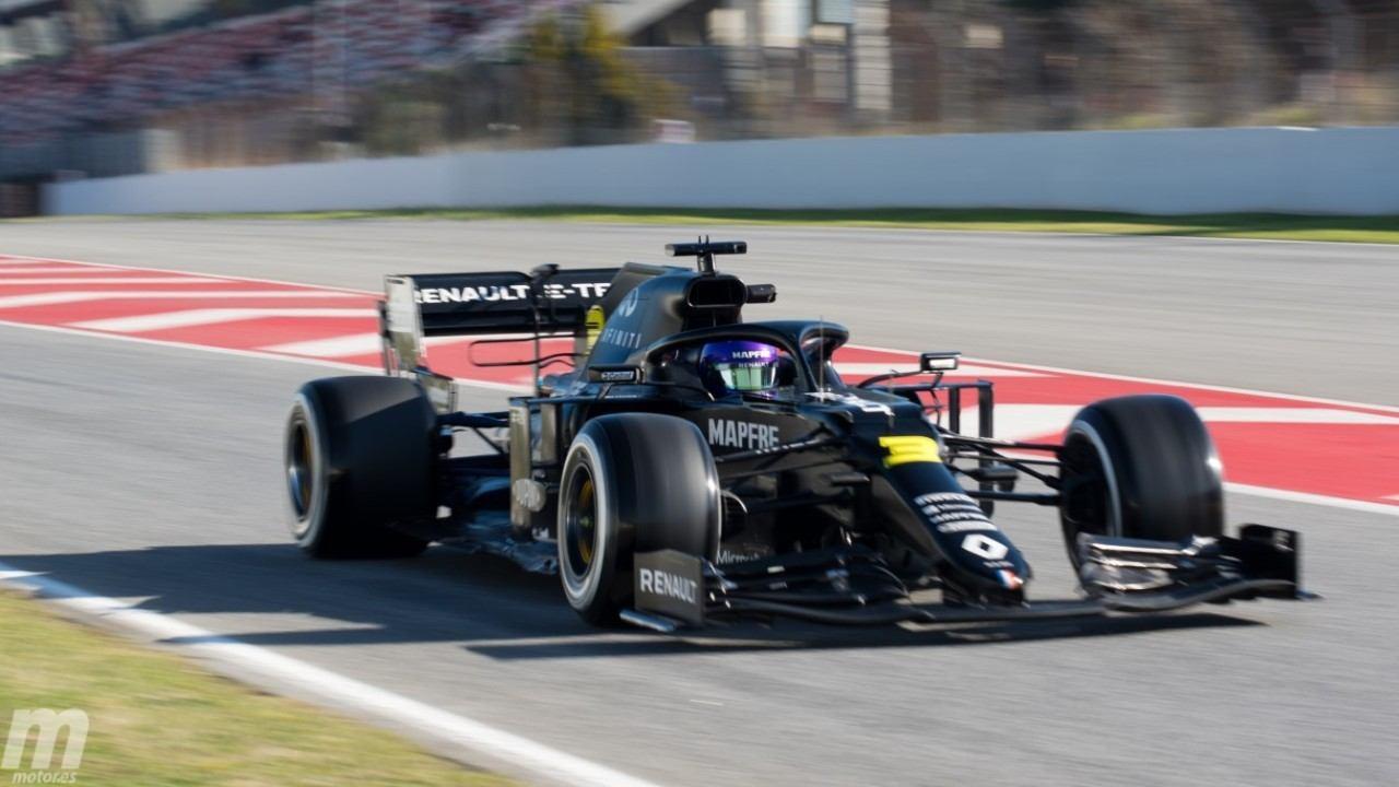 Ricciardo comanda la última mañana de test; Mercedes y Ferrari juegan al escondite