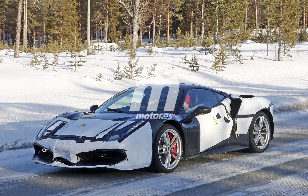 2021 Ferrari Híbrido 7