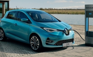¿Un IVA reducido para coches eléctricos? El Gobierno estudia implantarlo