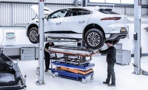 Jaguar para la producción del eléctrico I-PACE por falta de baterías