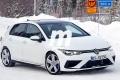 ¡Sin camuflaje! El nuevo Volkswagen Golf R 2021 cazado totalmente desnudo