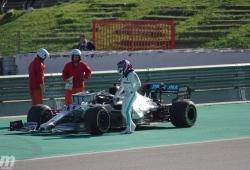 Los problemas del motor Mercedes preocupan seriamente a Hamilton