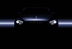 Mercedes muestra las nuevas ópticas del Clase E a modo de adelanto