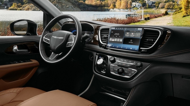 Chrysler Pacifica 2021 - interior