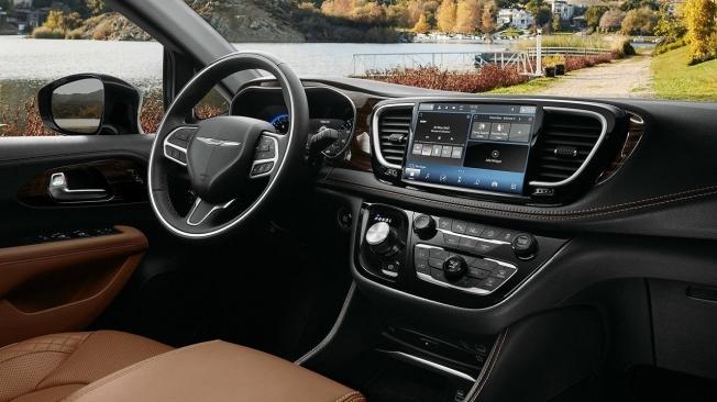 Chrysler Pacifica 2021 - interior