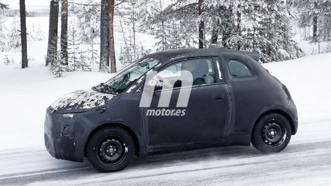 Fiat 500e 2020 - foto espía lateral