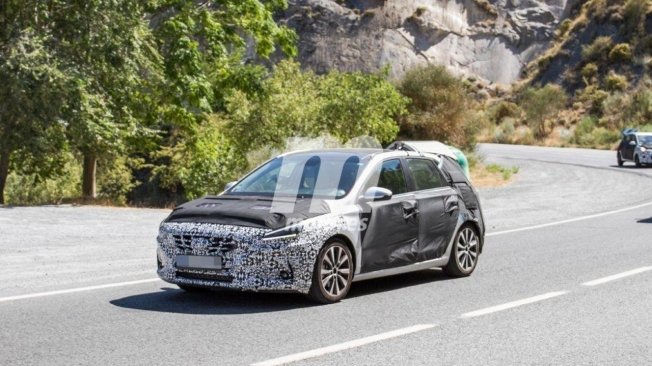 Hyundai i30 2020 - foto espía