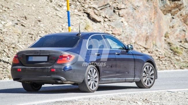Mercedes Clase E 2020 - foto espía posterior