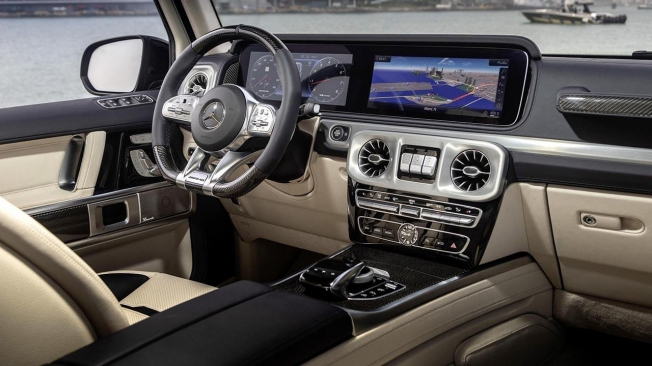 Mercedes-AMG G 63 Cigarette Edition - interior