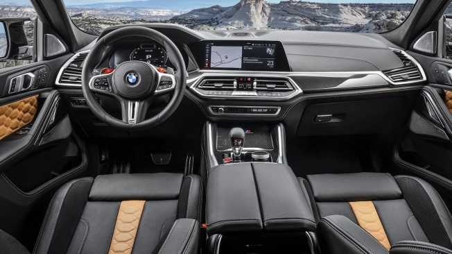 BMW X6 M Competition - interior
