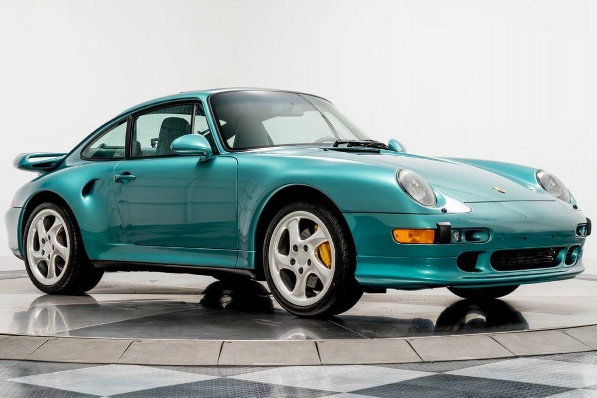 Aparece un Porsche 911 Turbo S (993) casi a estrenar con un precio desorbitado