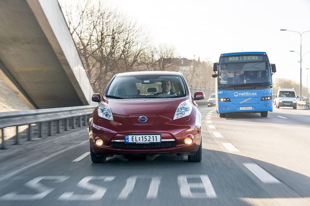 ¿Puede España adoptar el modelo noruego para matricular más coches eléctricos?