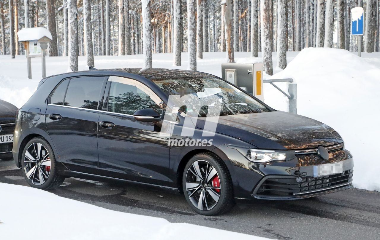 Los prototipos del Volkswagen Golf GTI TCR 2021 se dejan ver en nuevas fotos espía
