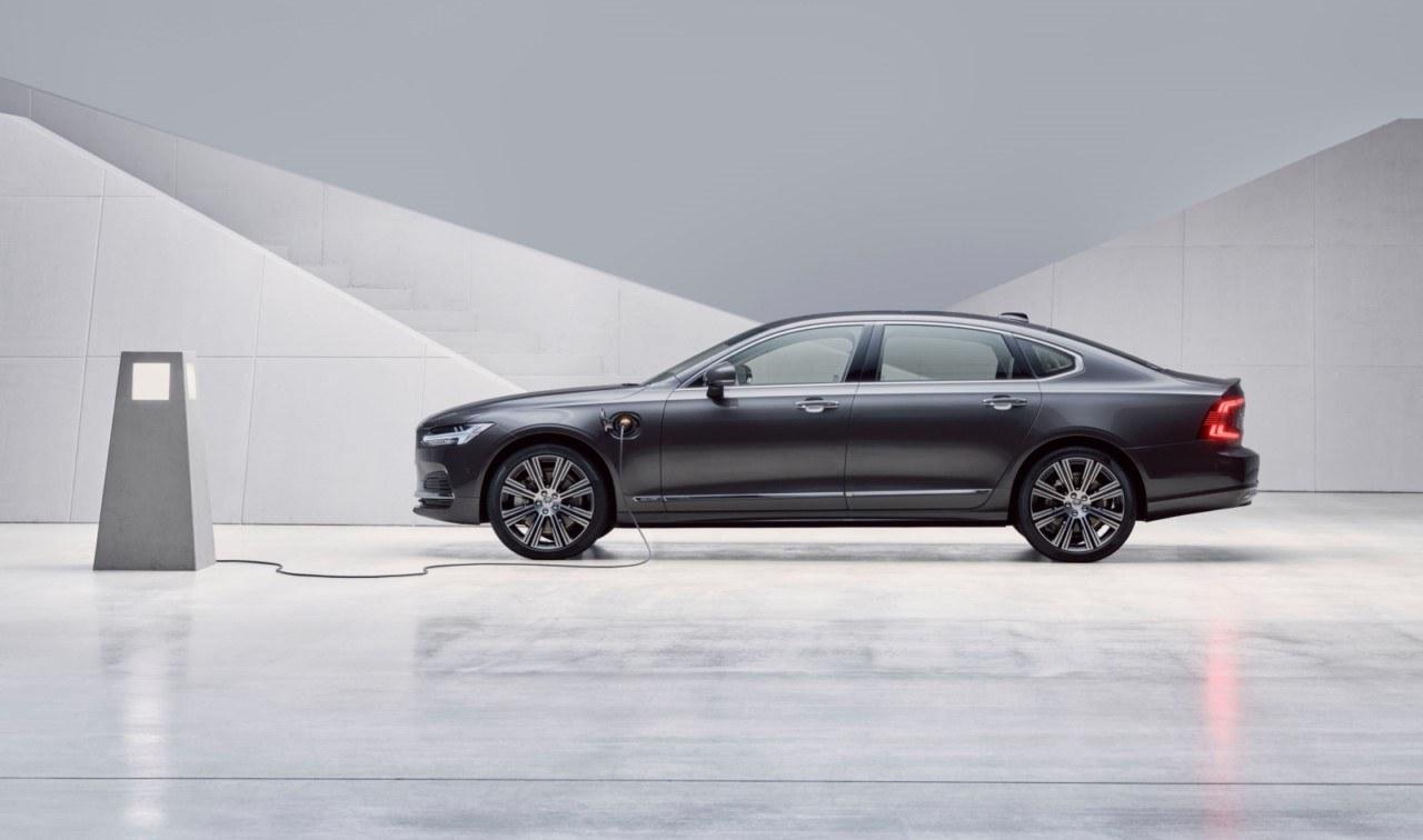 Los Volvo S90, V90 y V90 Cross Country 2020 estrenan nuevos motores y equipamientos