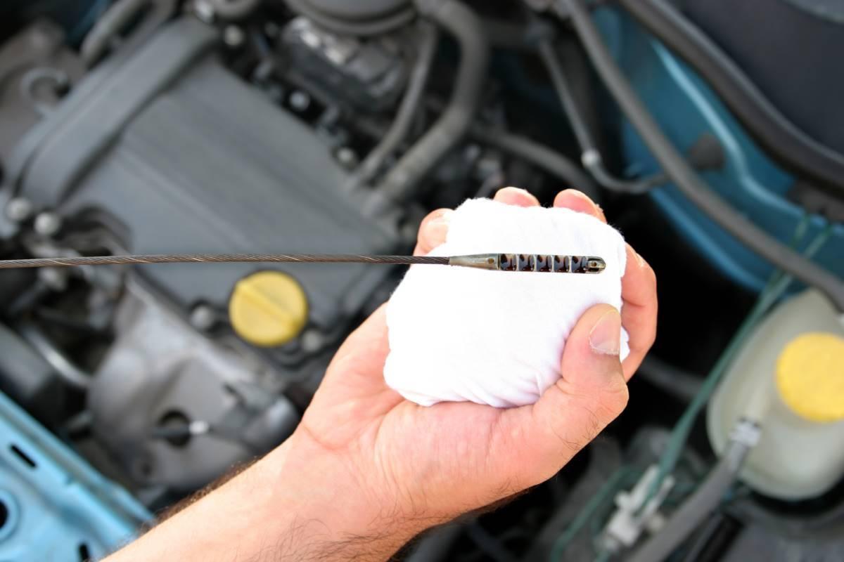 ¿Qué precio tiene el cambio de aceite del coche?