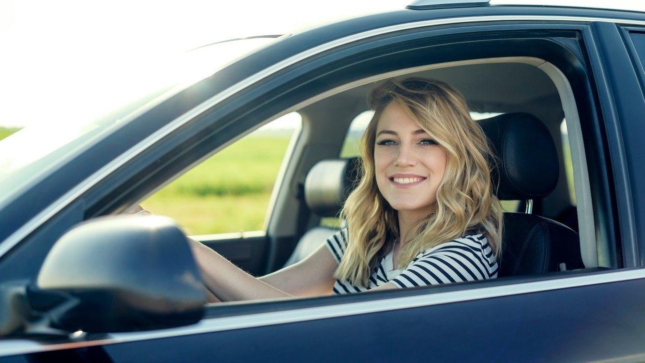 ¿Cómo ahorrar usando un comparador de seguros de coche?
