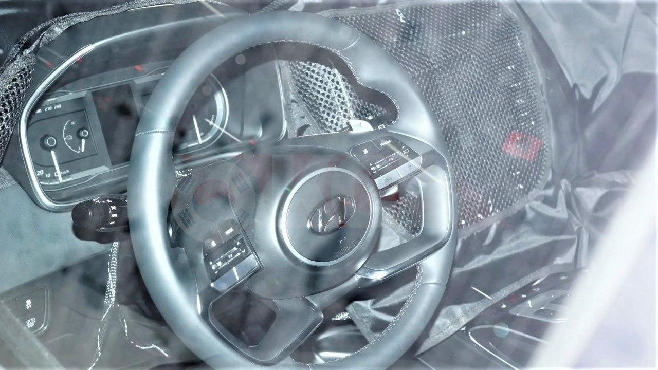 El interior del Hyundai Tucson 2021 parcialmente al descubierto en estas fotos
