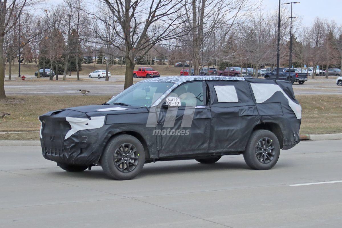 ¡Cazado! El nuevo Jeep Grand Cherokee tendrá variante de 7 plazas