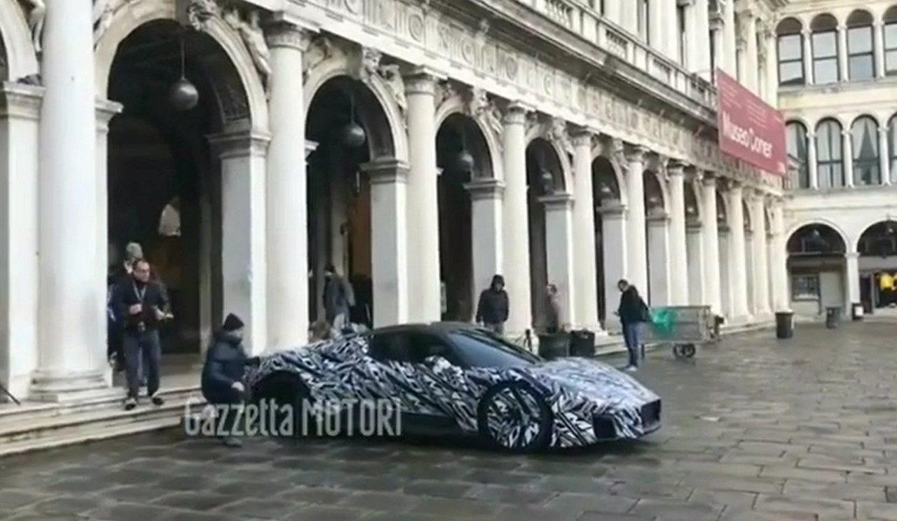 La nueva carrocería del esquivo Maserati MC20 al detalle [vídeo]