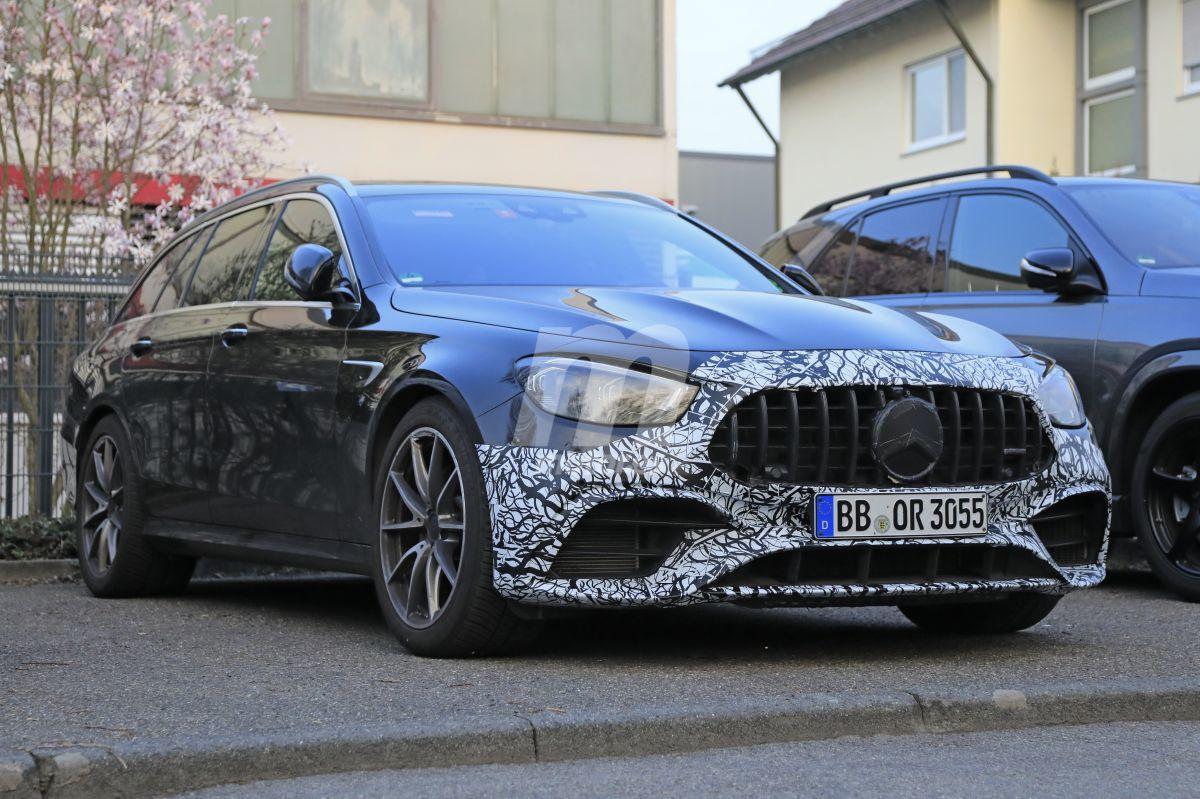 El nuevo Mercedes AMG E 63 Estate cazado prácticamente desnudo