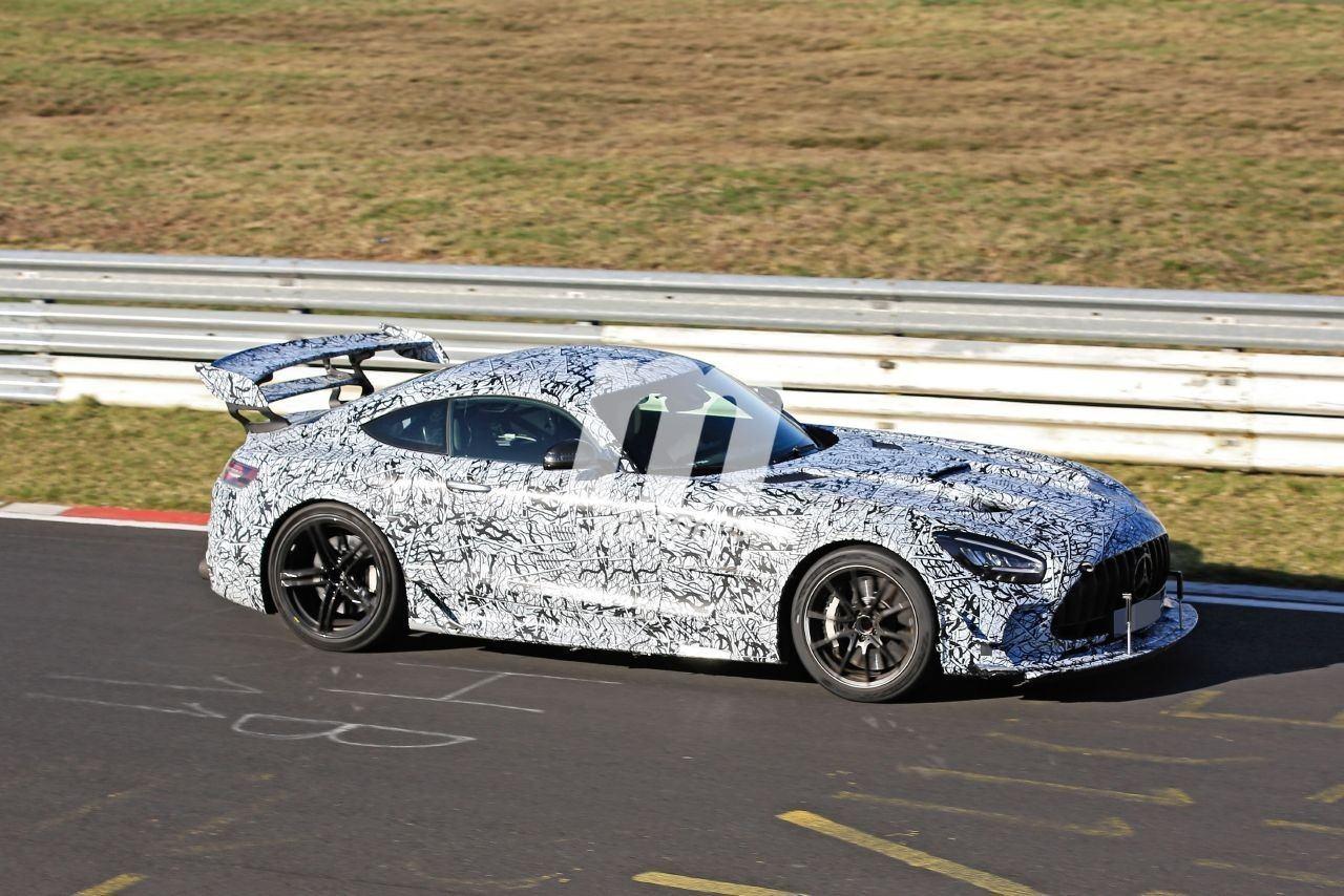 2014 Mercedes-AMG GT 26