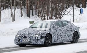 Cazado el nuevo Mercedes EQE, la nueva berlina eléctrica que llegará en 2022