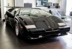 Aparece en Canadá un Lamborghini Countach 25th Anniversary a estrenar
