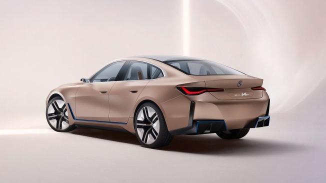 BMW Concept i4 - posterior