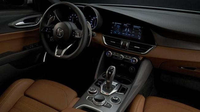 Alfa Romeo Giulia 2020 - interior