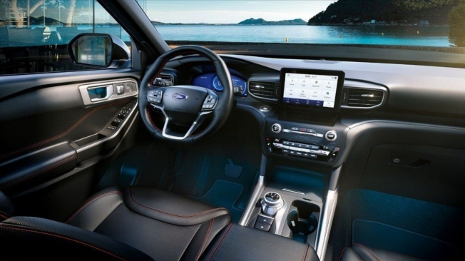 Ford Explorer PHEV - interior