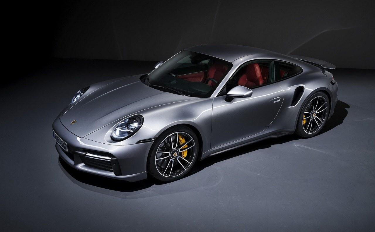 El Porsche 911 Turbo S estrena los paquetes Lightweight y Sport