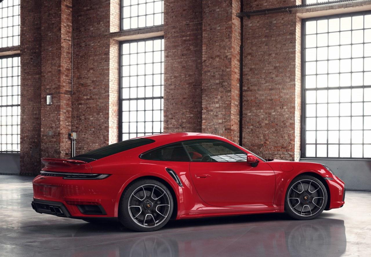 El Porsche 911 Turbo S más deportivo con unos toques de Porsche Exclusive