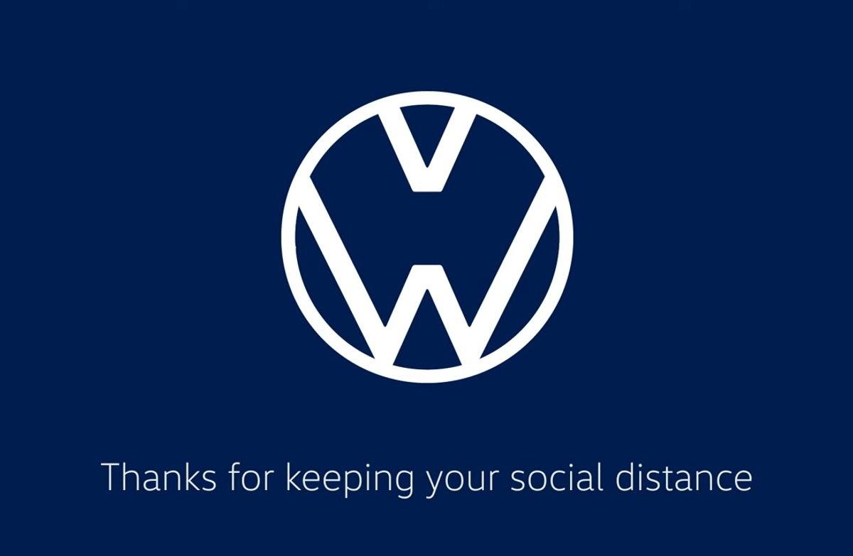 Volkswagen y Audi separan sus logos para promover la distancia social