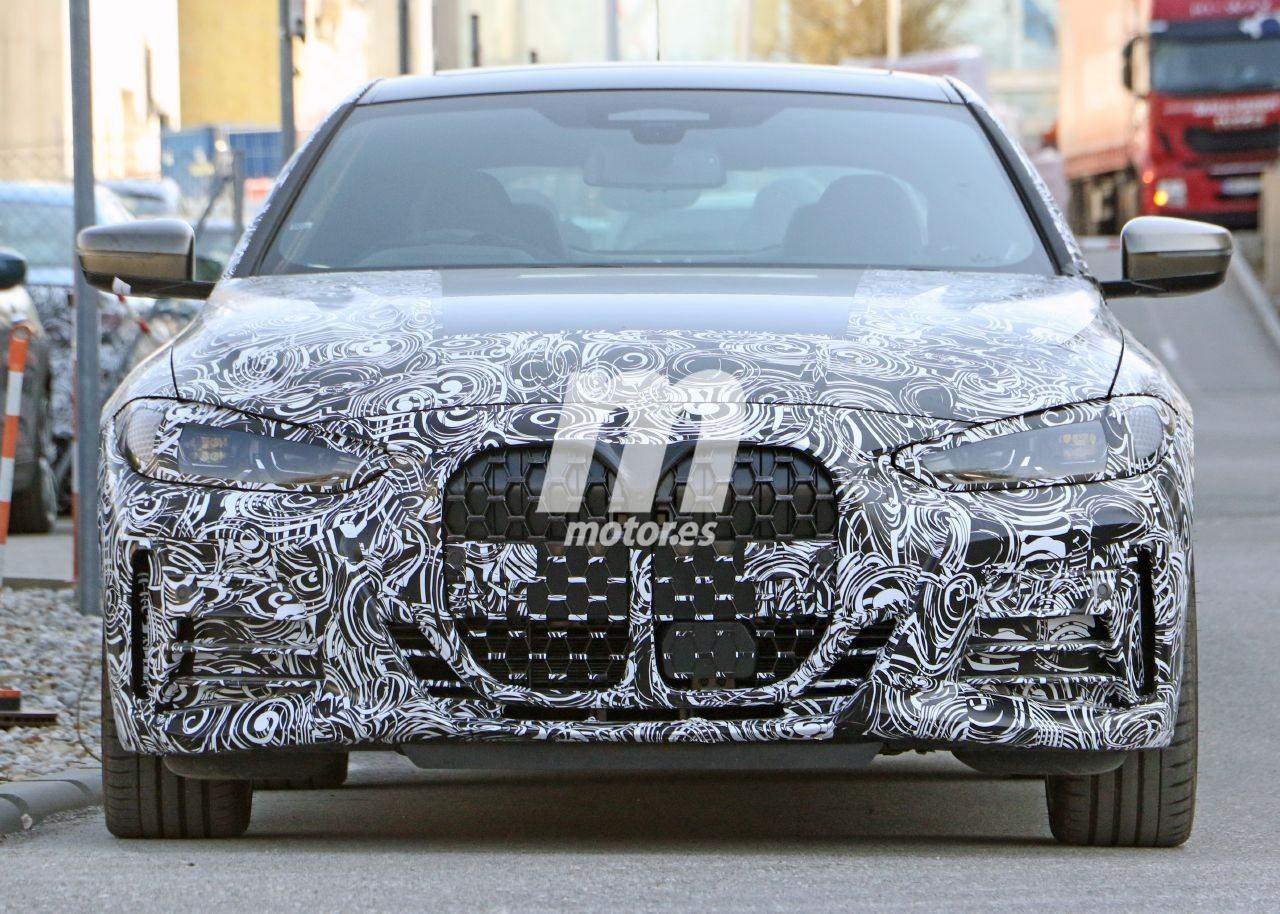 Un prototipo del nuevo BMW Serie 4 Coupé deja la nueva parrilla más descubierta