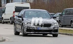 El facelift de los BMW Serie 5 y Serie 5 Touring dejan ver parte del nuevo diseño frontal