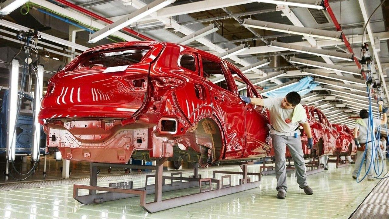 Los fabricantes de automóviles retoman la actividad en España