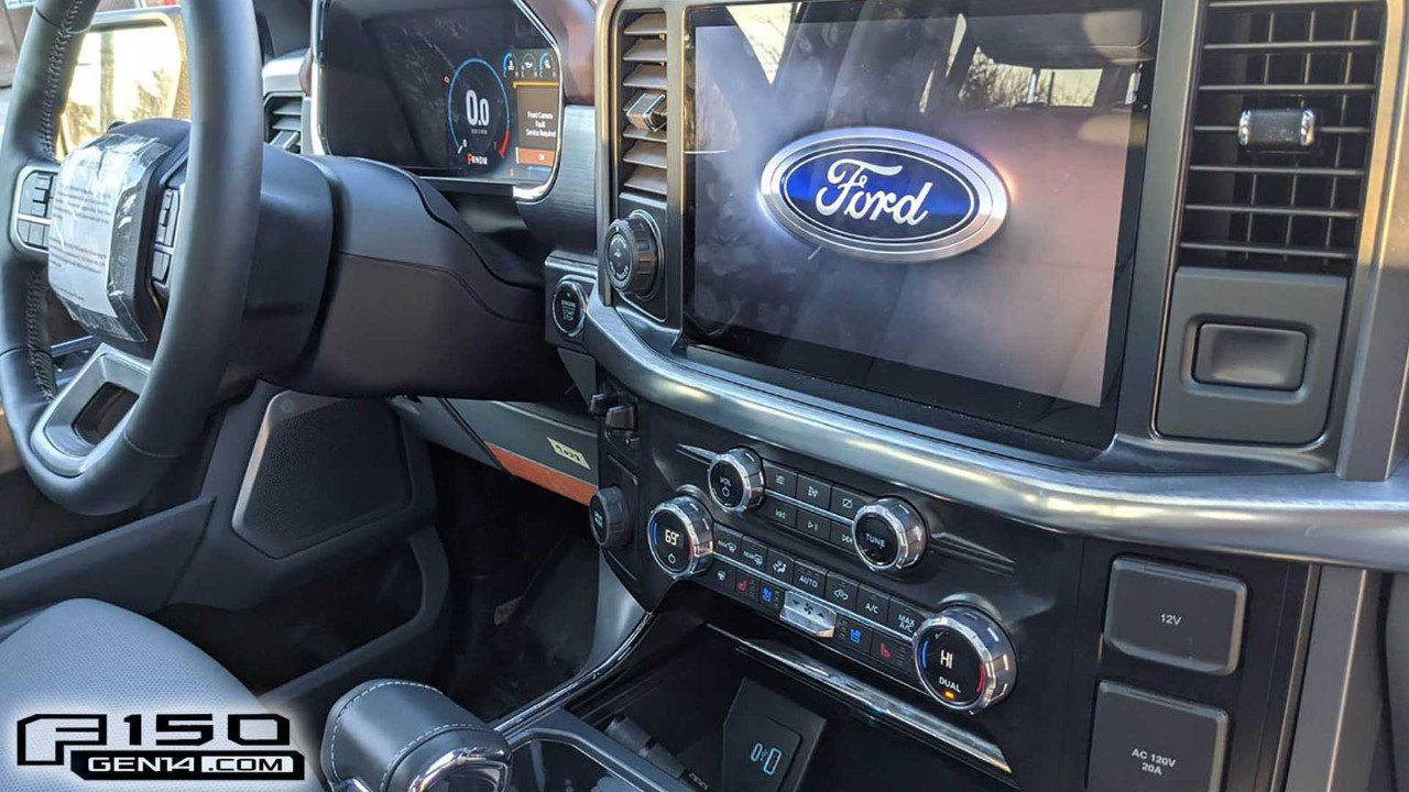 El interior del Ford F-150 Lariat 2021 filtrado al completo