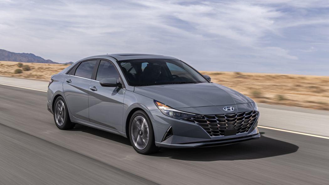 Hyundai desvela las primeras imágenes del nuevo Elantra Hybrid 2021