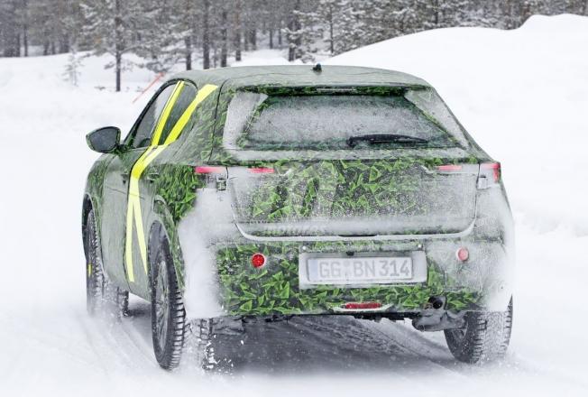 Opel Mokka 2021 - foto espía posterior