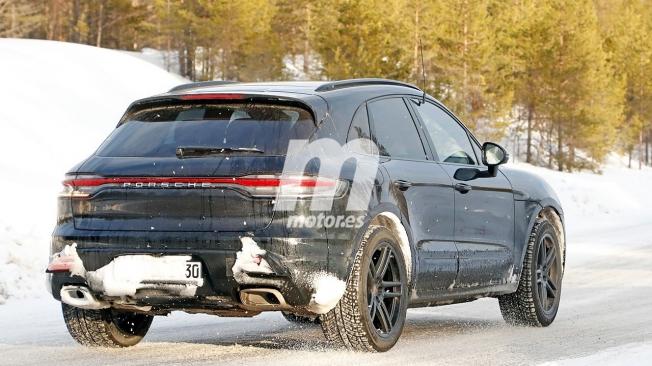 Porsche Macan 2022 - foto espía posterior