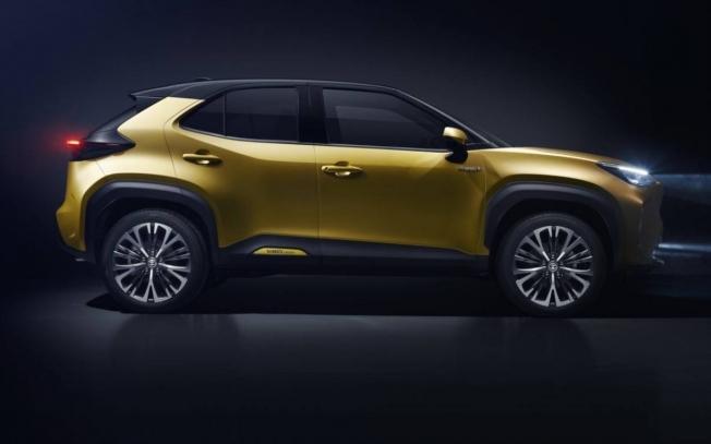 Toyota Yaris Cross - lateral