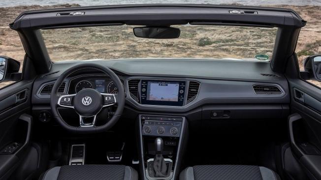 Volkswagen T-Roc Cabrio - interior